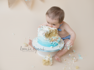 cake smash baby photography manchester